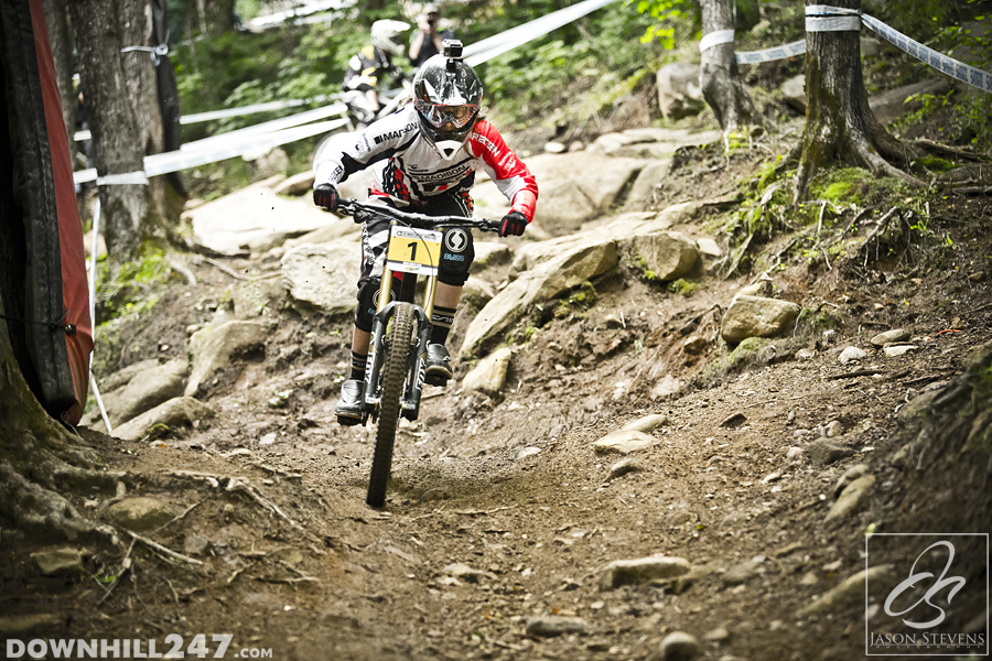 Manon Carpenter looked strong all day through the rocks