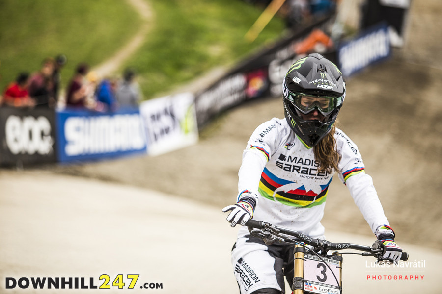 Is getting disqualified worse than crashing or a mechanical? Unfortunately Manon Carpenter hasn't had a season any where as near as successful as 2014. Her race finished with a DSQ next to her name on the time sheet as she exited the course and went over one of the bunting poles.