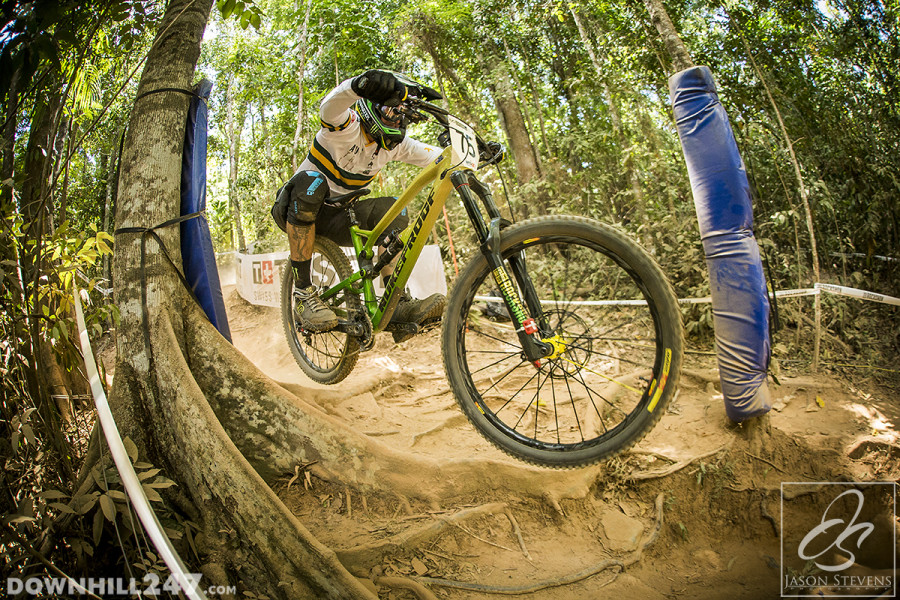 Sam Hill was again showing some great speed despite his apparent disadvantage riding his trail bike (if you listen to the expert commentators on the internet!)