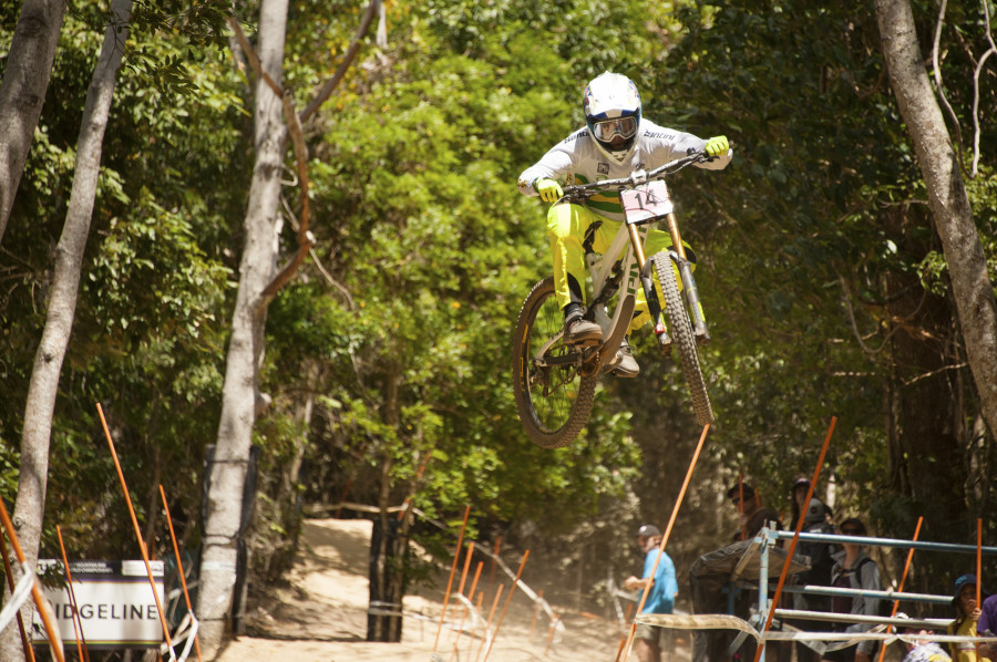 Danielle Beecroft boosting!